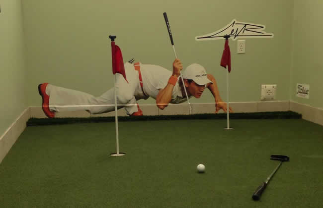 Putting Indoors on the Green with Camillo Villegas